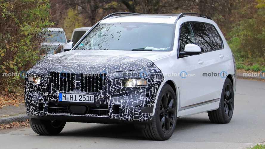 Шпионы сфотографировали обновленный BMW X7 (14 фото)