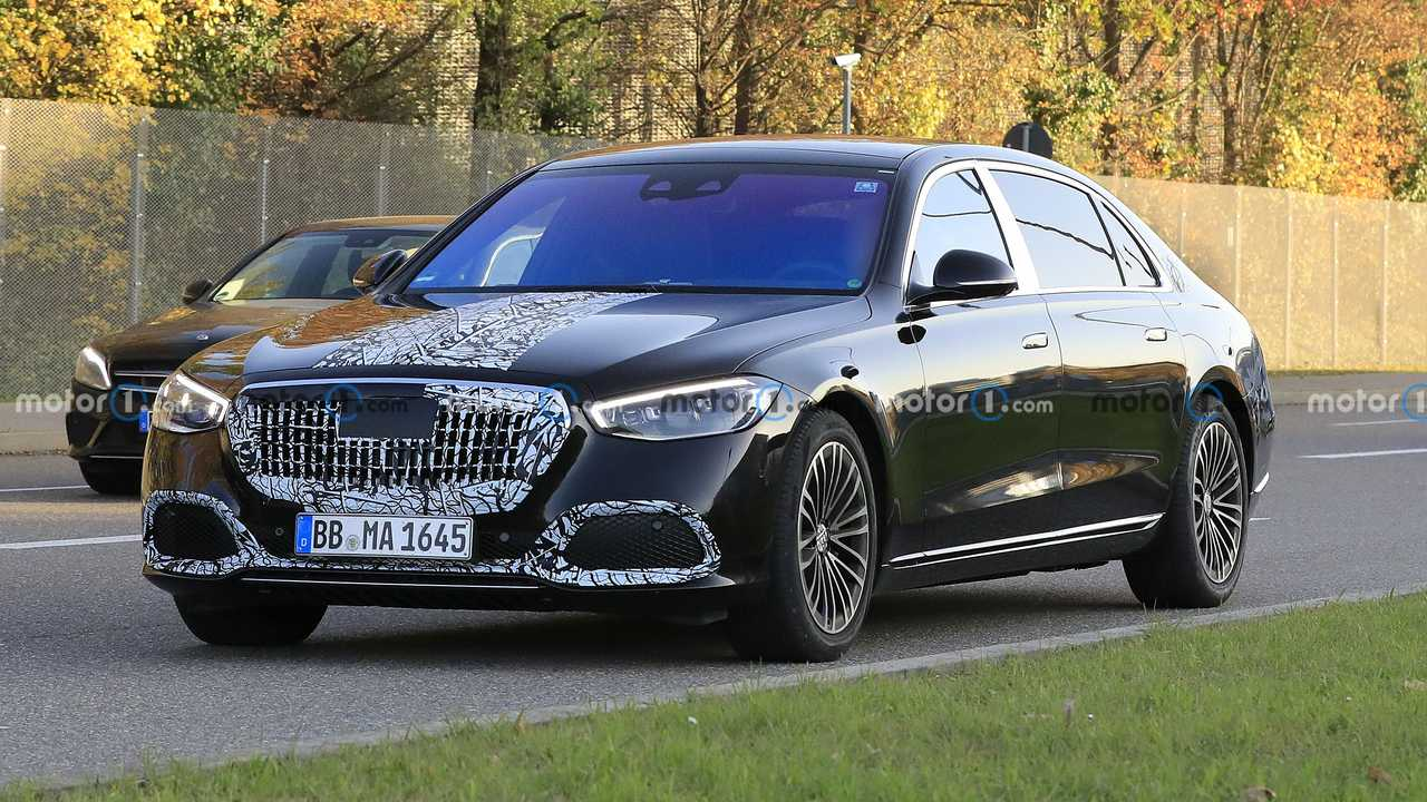 Шпионское фото нового Mercedes-Maybach S-class