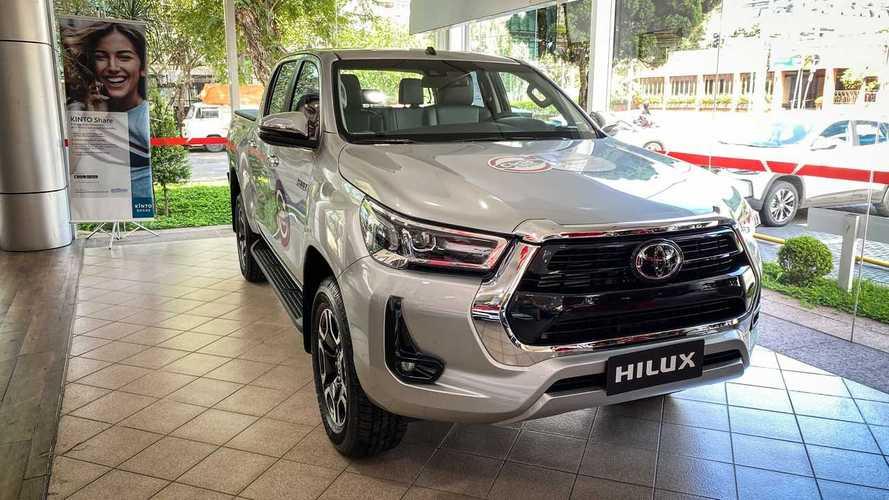 Toyota trabalha em motor diesel híbrido para Hilux, diz site