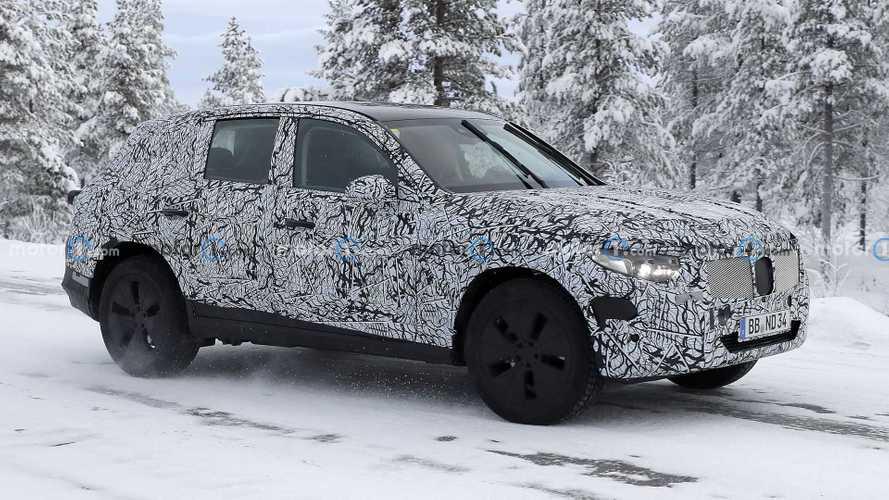 2022 Mercedes-Benz GLC prototipi objektiflere takıldı