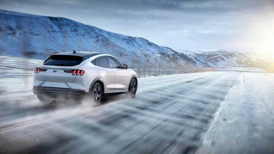 Ford Mustang Mach-E, ecco il SUV elettrico sportivo fino a 465 CV