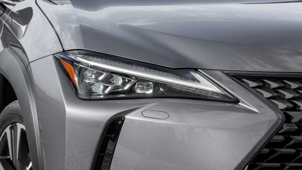 Lexus conferma, reveal della EV per novembre