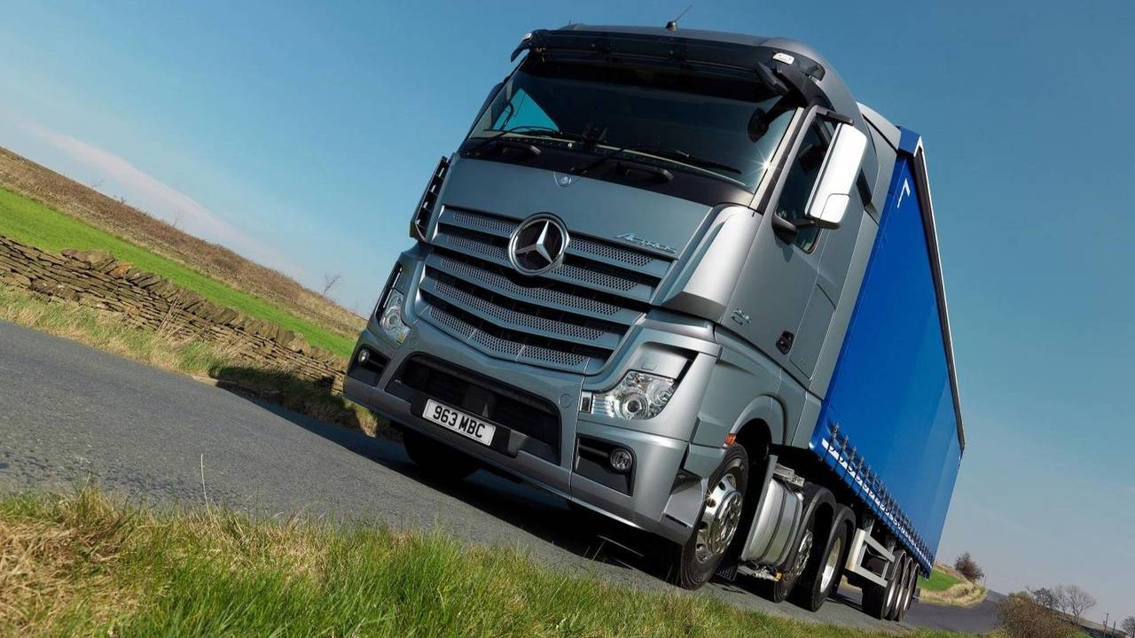 Mercedes lorry Actros HGV