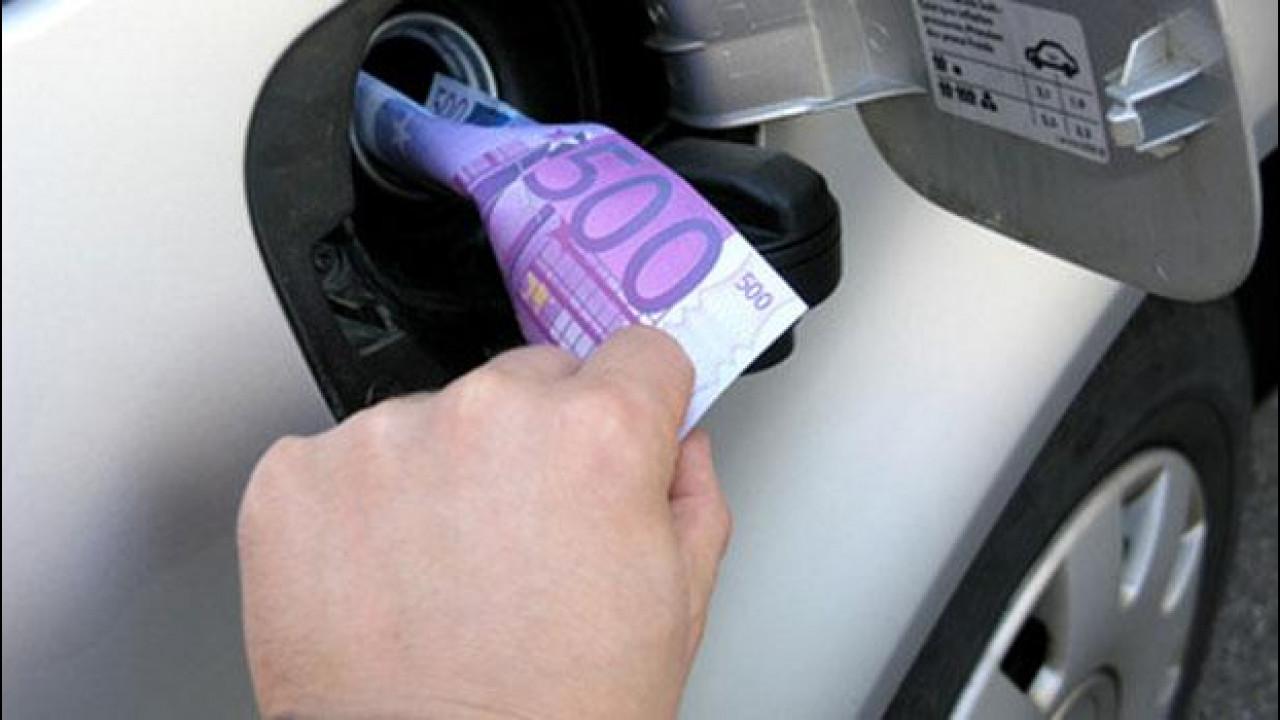 [Copertina] - Prezzi benzina: 8 compagnie indagate per truffa