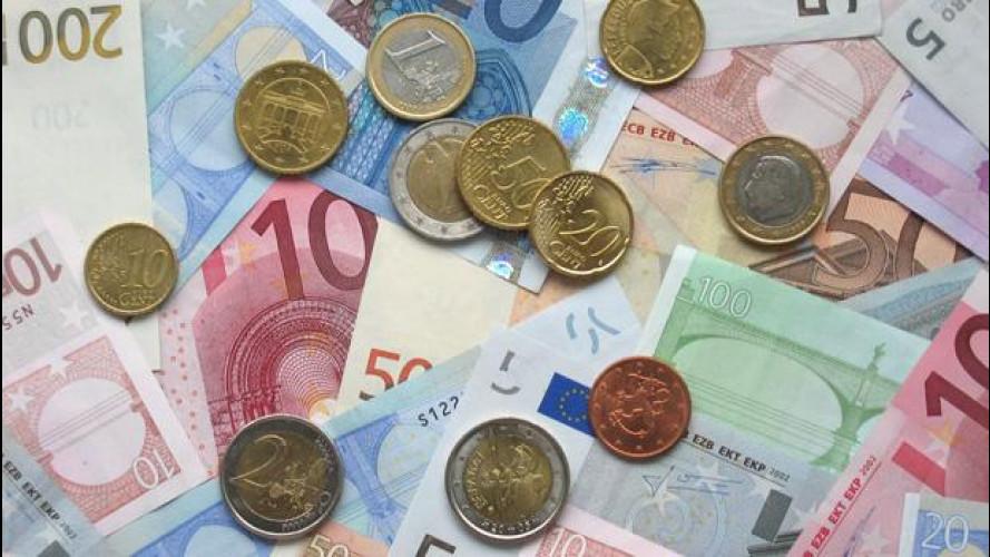 Rca: i prezzi scendono, le polemiche salgono