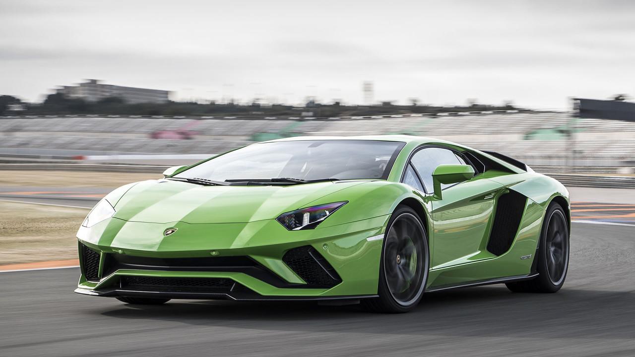 Lamborghini Aventador S Coupé: ca. 2,23 Kilo pro PS