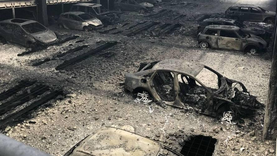 VIDÉO - 1400 véhicules brûlés dans un parking à Liverpool