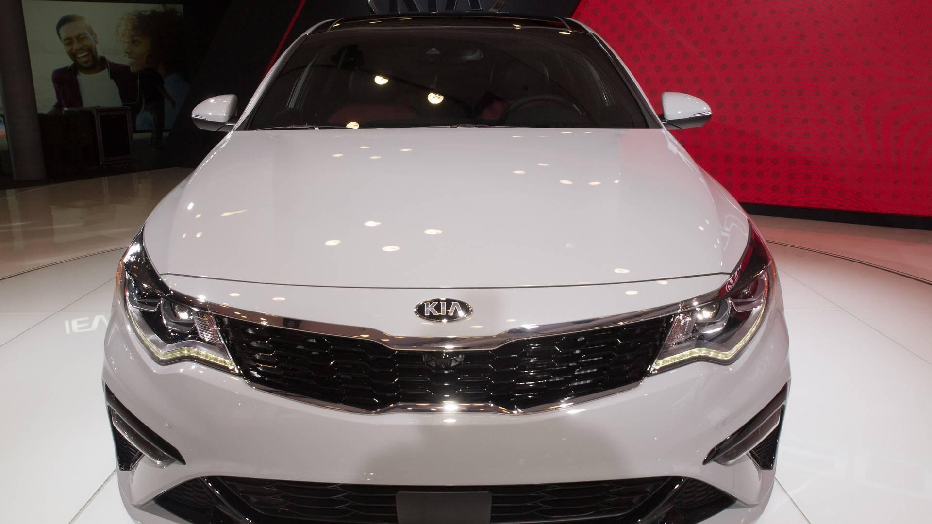 2019 Kia Optima Gets Very Minor Trim Refresh, Tech Update