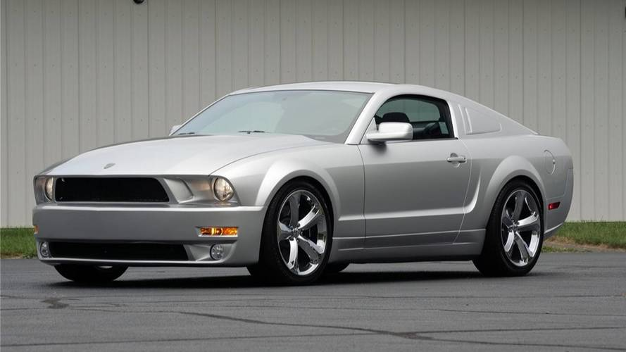 Ford Mustang Iacocca 45th Anniversary Edition