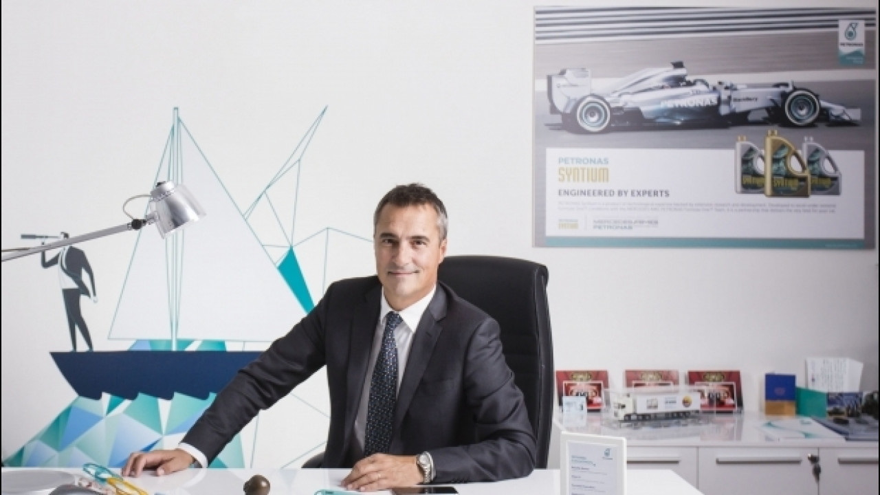 [Copertina] - Petronas crede e investe nell'Italia