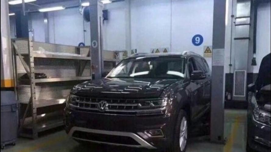 Volkswagen, le foto rubate del nuovo SUV
