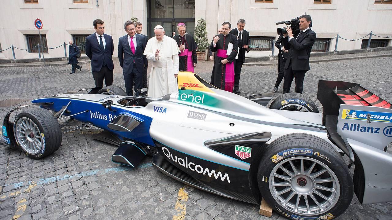 La Formula E da Papa Francesco