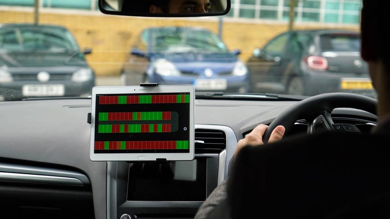 """Ford, prove di parcheggio a """"distanza"""""""