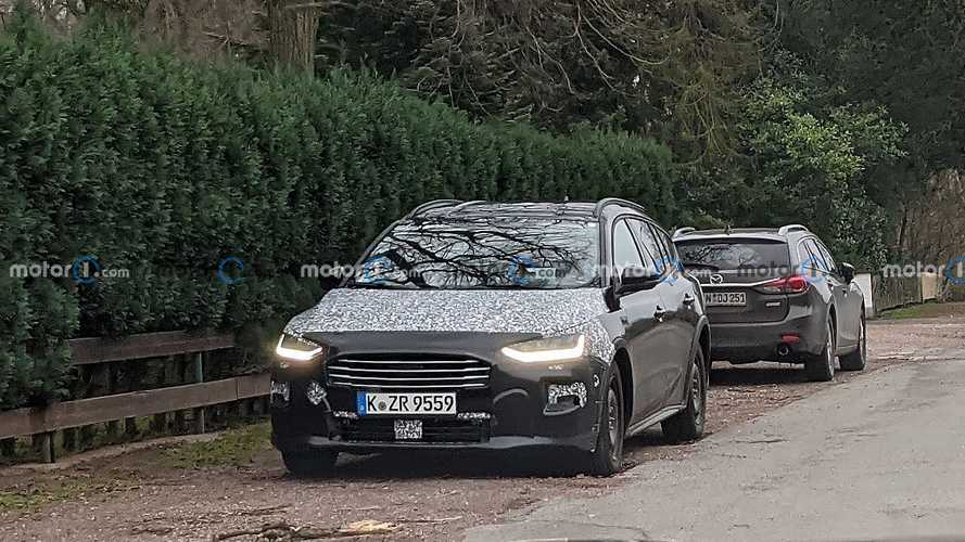 Ford Focus 2022: intuímos el frontal en estas fotos espía