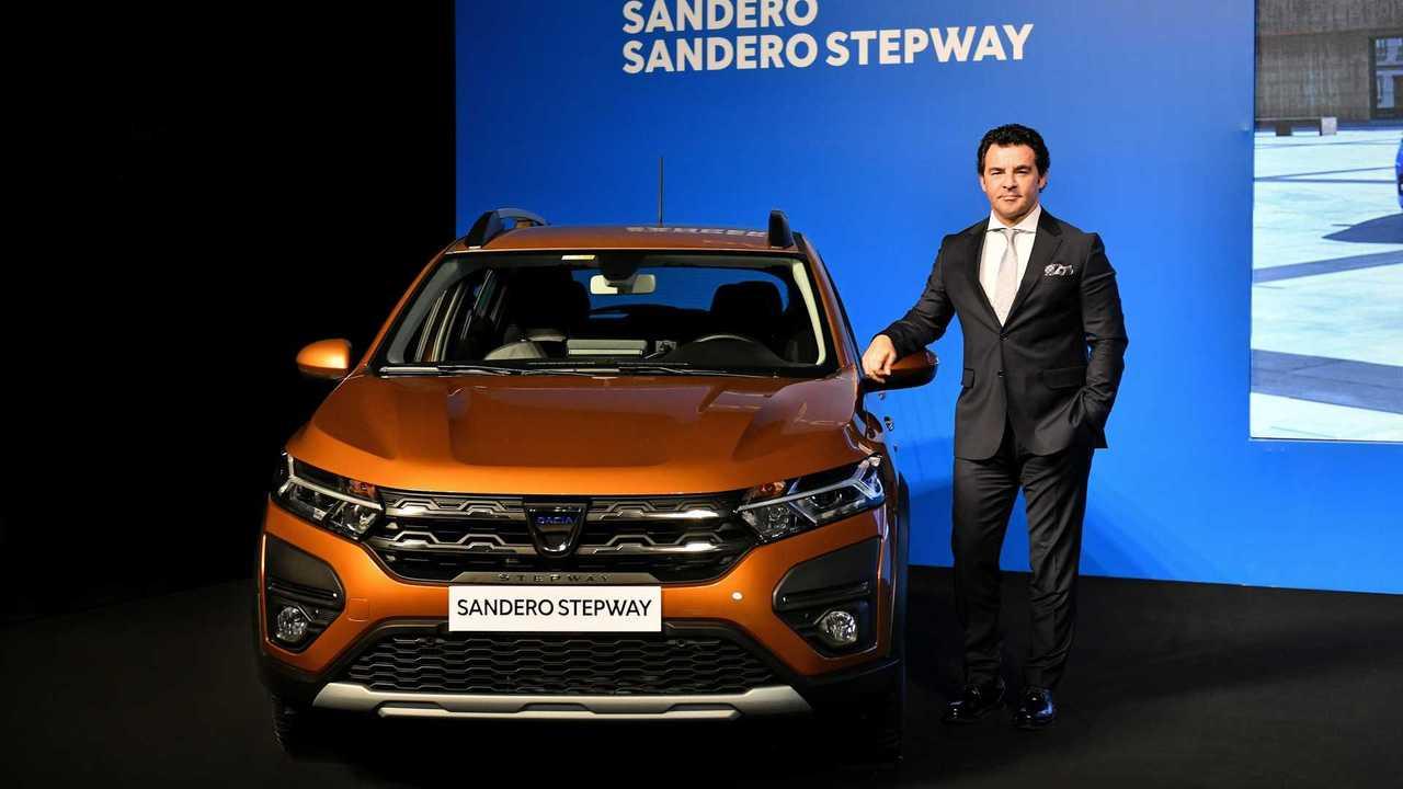 Yeni Dacia Sandero Stepway ve Renault MAİS Genel Müdürü Berk Çağdaş.