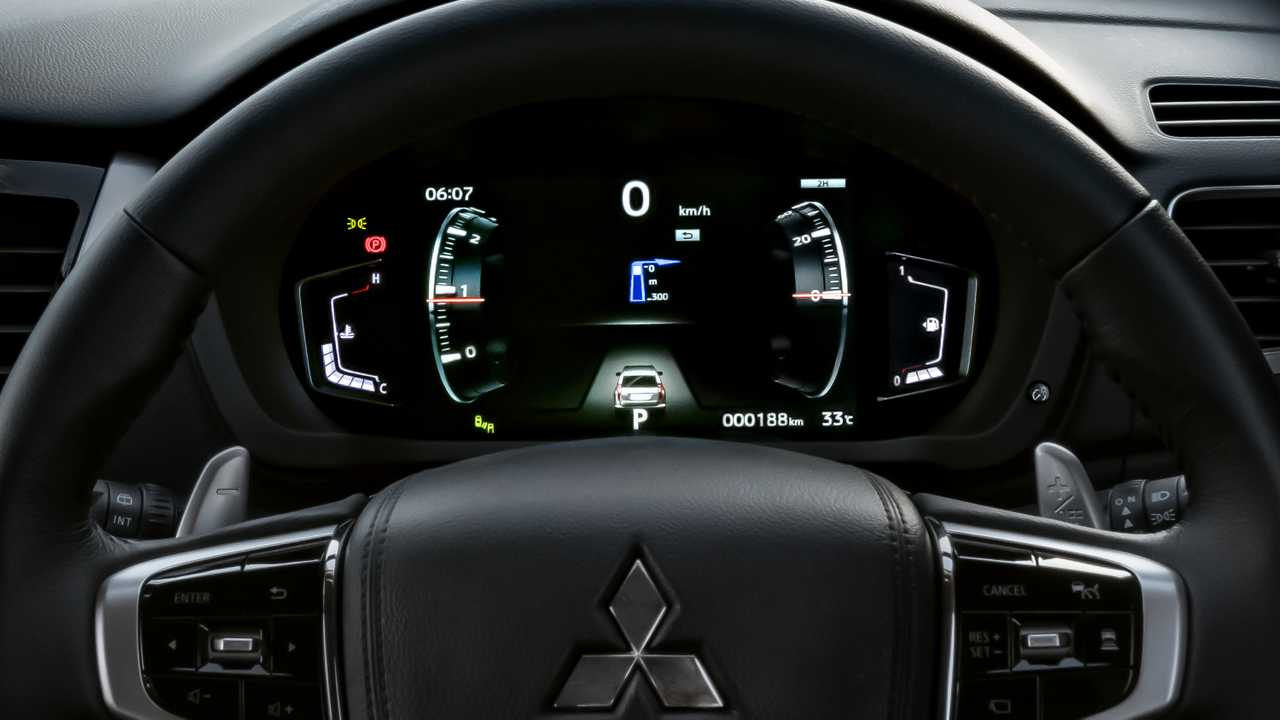 2020 Mitsubishi Pajero Sport Gets Fresh Face Updated Interior