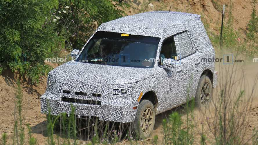 Ford Adventurer / Baby Bronco Spy Photos