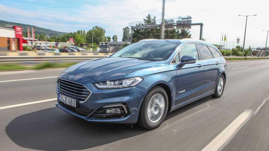Megérkezett a hazai kereskedésekbe a Ford Mondeo kombi hibrid változata