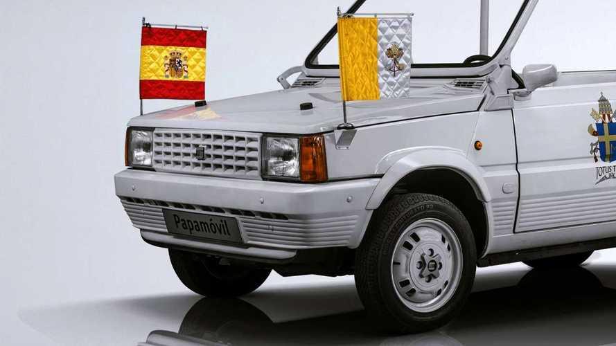 Dalla Seat Panda alla Mercedes Classe G, l'evoluzione della Papamobile