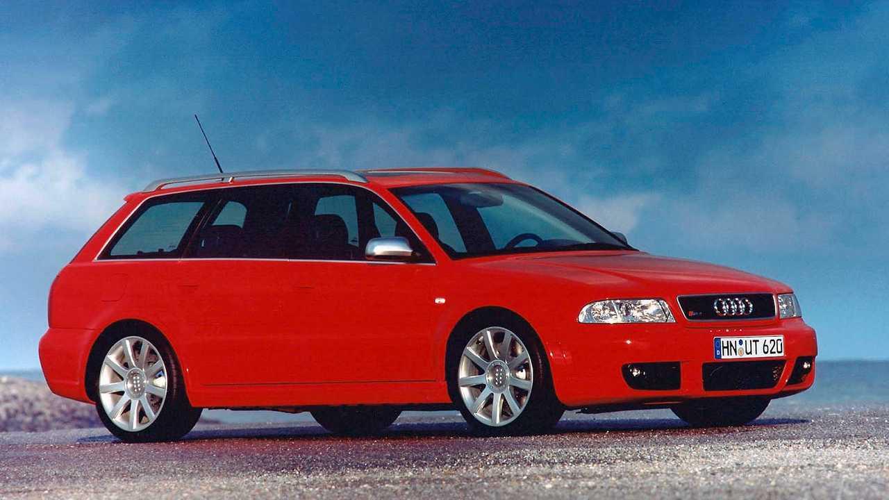 Ауди RS 4 Avant (2000)