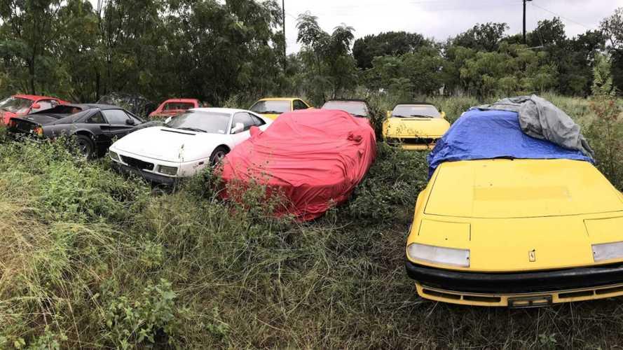 Ferrari abandonnées dans un champs