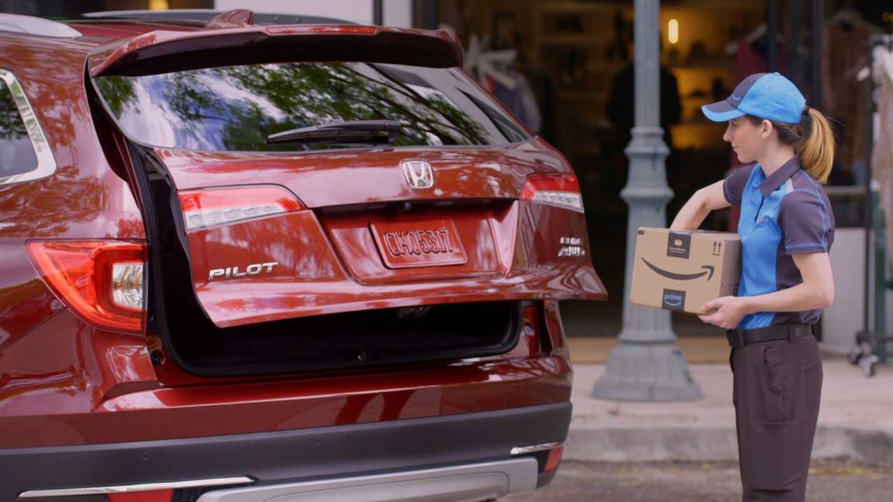 Honda_Amazon_Key_Delivery_Depiction