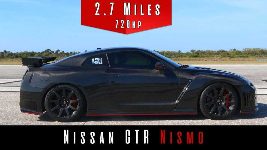 Watch This Modified Nissan GT-R Go 205 MPH Without Breaking A Sweat