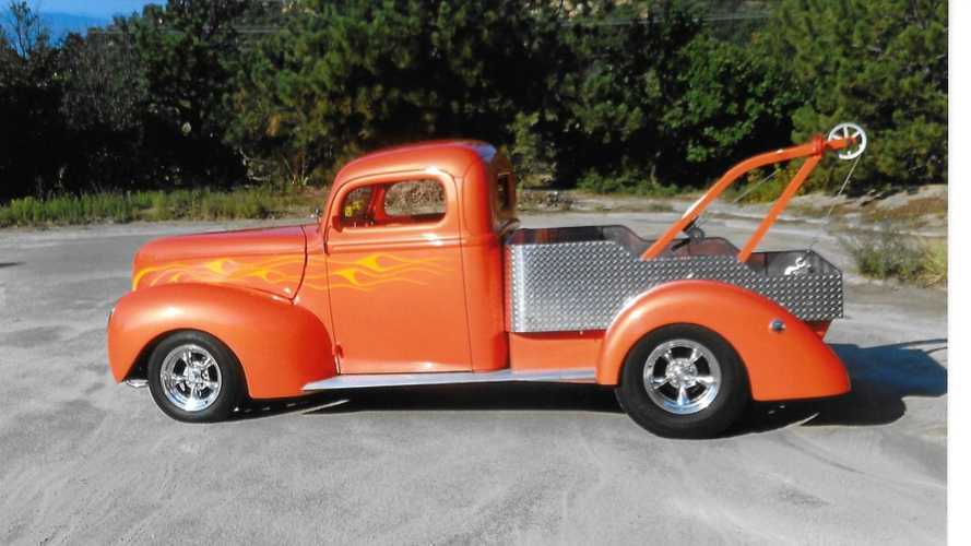 1941 Ford F-1 Burns Rubber And Rescues Friends