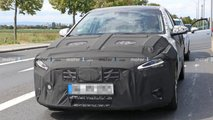Hyundai i30/Elantra GT Facelift PHEV Spy Photos