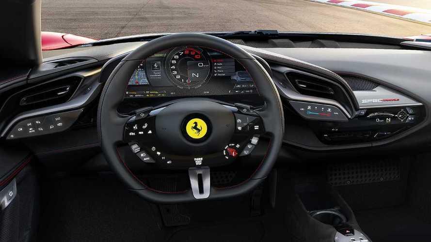 Display curvo, la sorpresa hi-tech della Ferrari SF90 Stradale