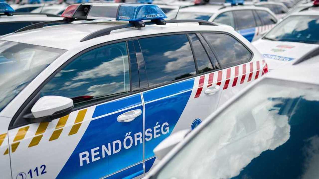 Szolgálatra készen állnak a rendőrség új autói