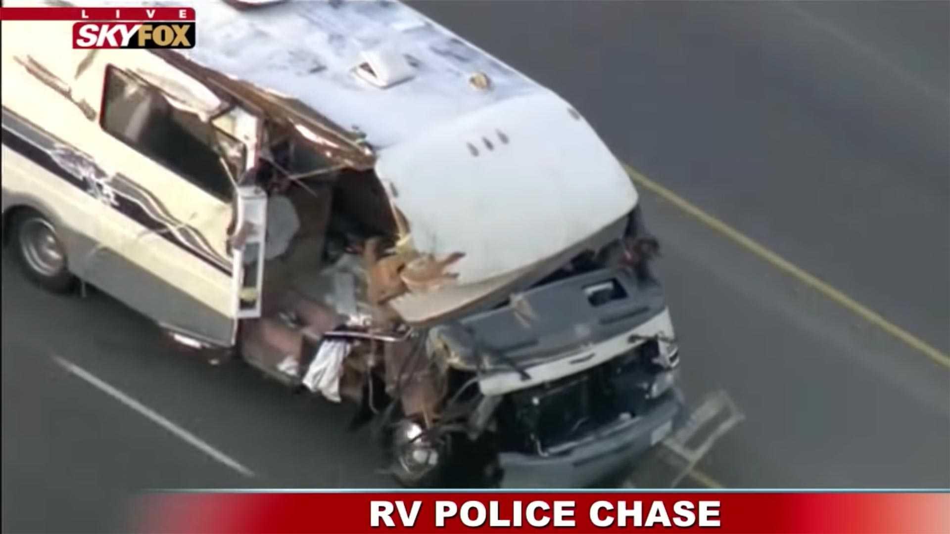 Watch This Stolen RV In A Crazy Police Chase