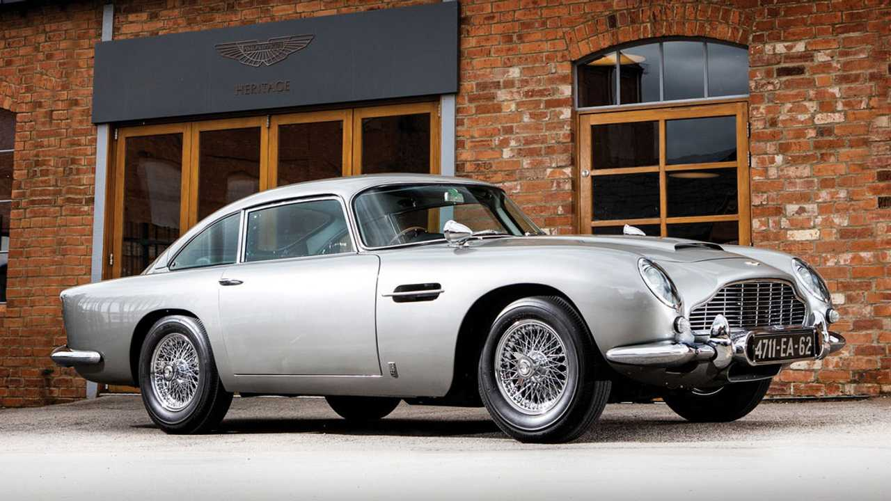 James Bond DB5 Funkcionális Q Gadgetry Kalapácsokkal 6,4 millió dollárért