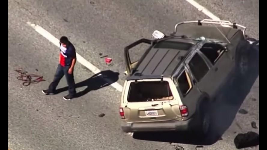 Vídeo: motorista de Pathfinder perseguido pela polícia capota e escapa ileso