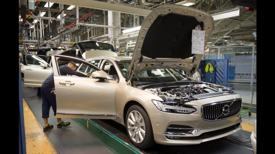 Volvo V90: 1ª unidade da nova perua sai da linha de montagem na Suécia