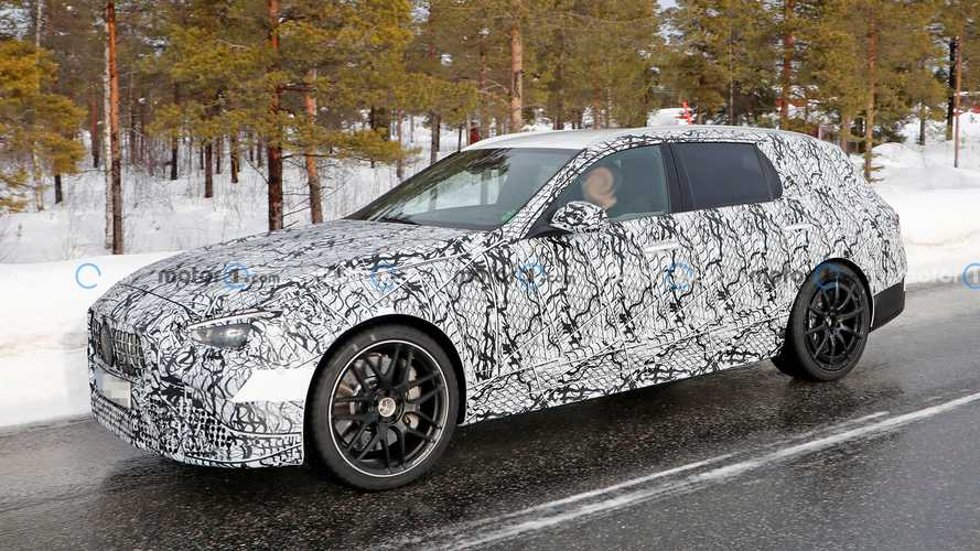 Mercedes-AMG C 63 T-Modell (2021) bei Wintertests erwischt