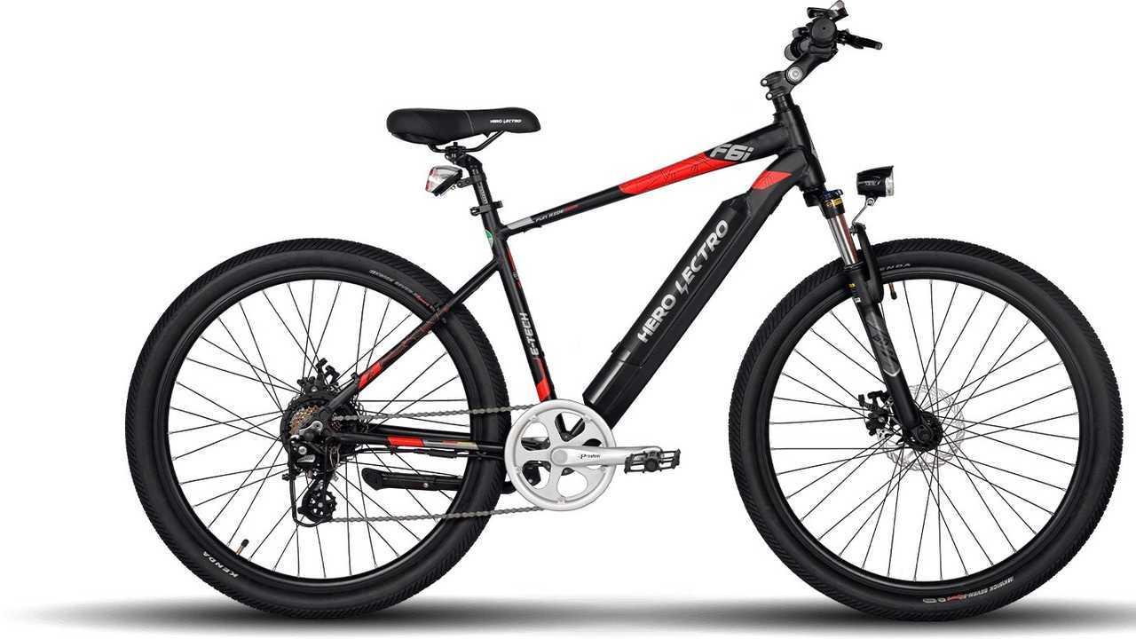 Una bici elettrica Hero Cycles
