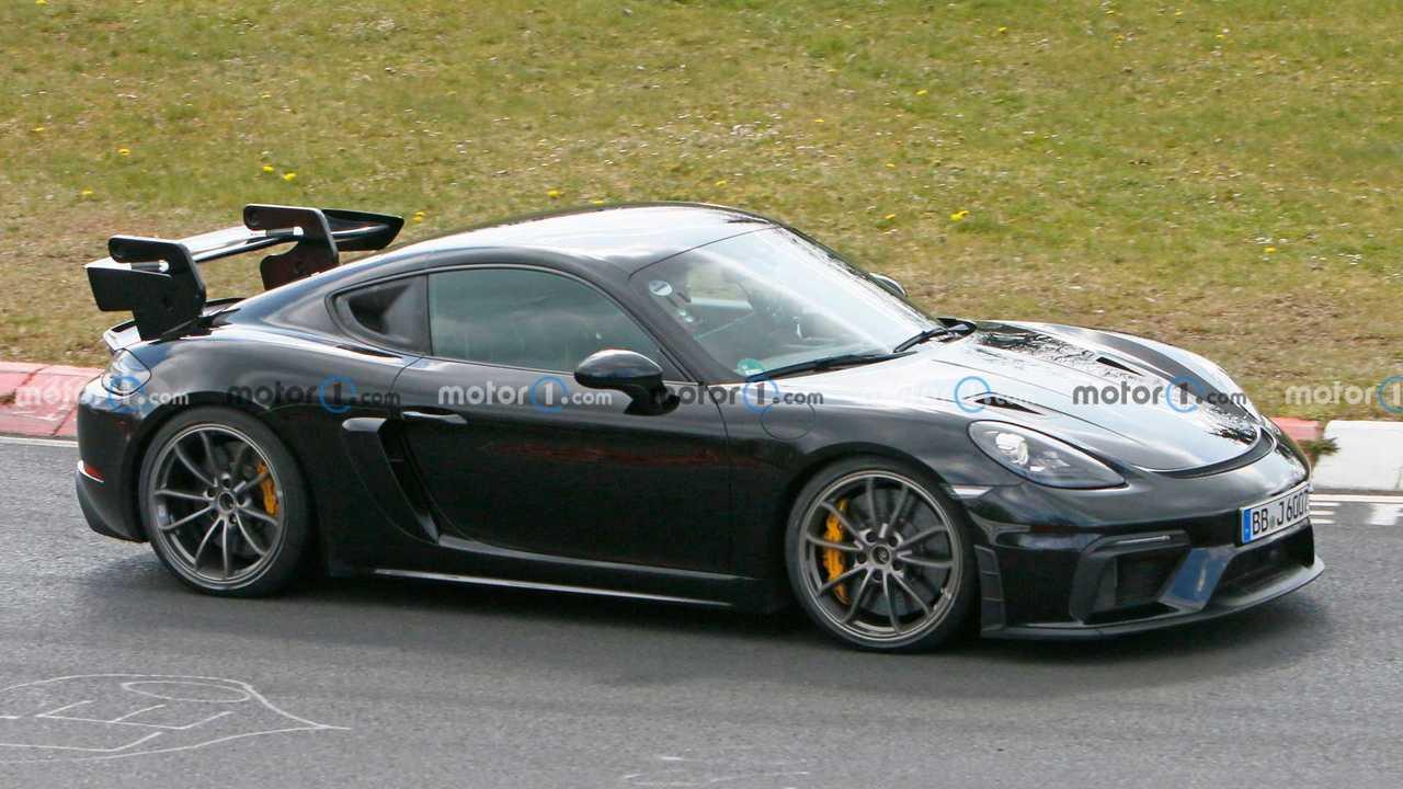 Porsche 718 Cayman GT4 RS spy shot at Nurburgring