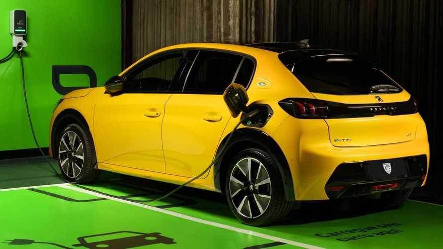Stellantis anuncia rede de recarga de carros elétricos no Brasil