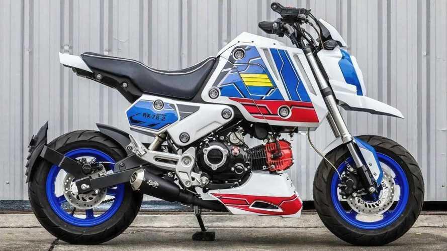 Modifikator Thailand Ini Bikin Honda Grom Tema Gundam, Keren!