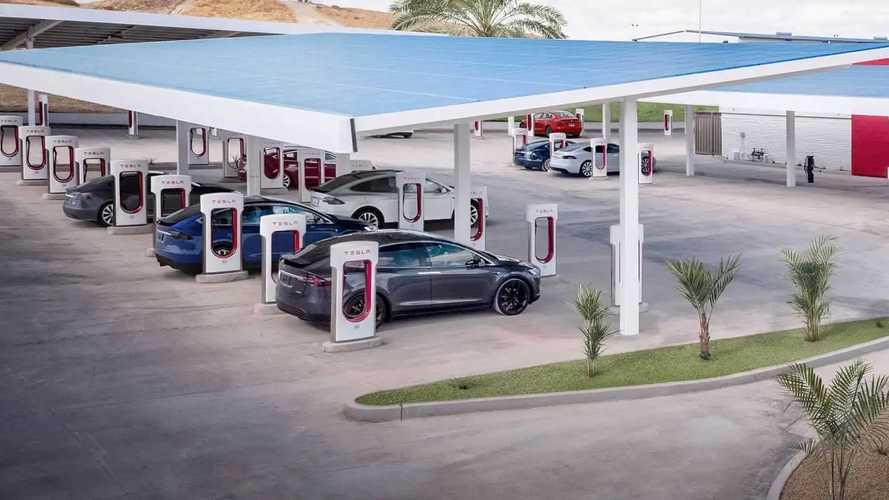 Tesla annonce l'arrivée de Superchargeurs de 300 kW