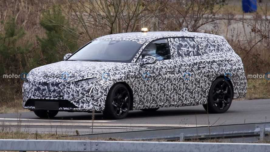 Next-gen Peugeot 308 estate spied for the first time