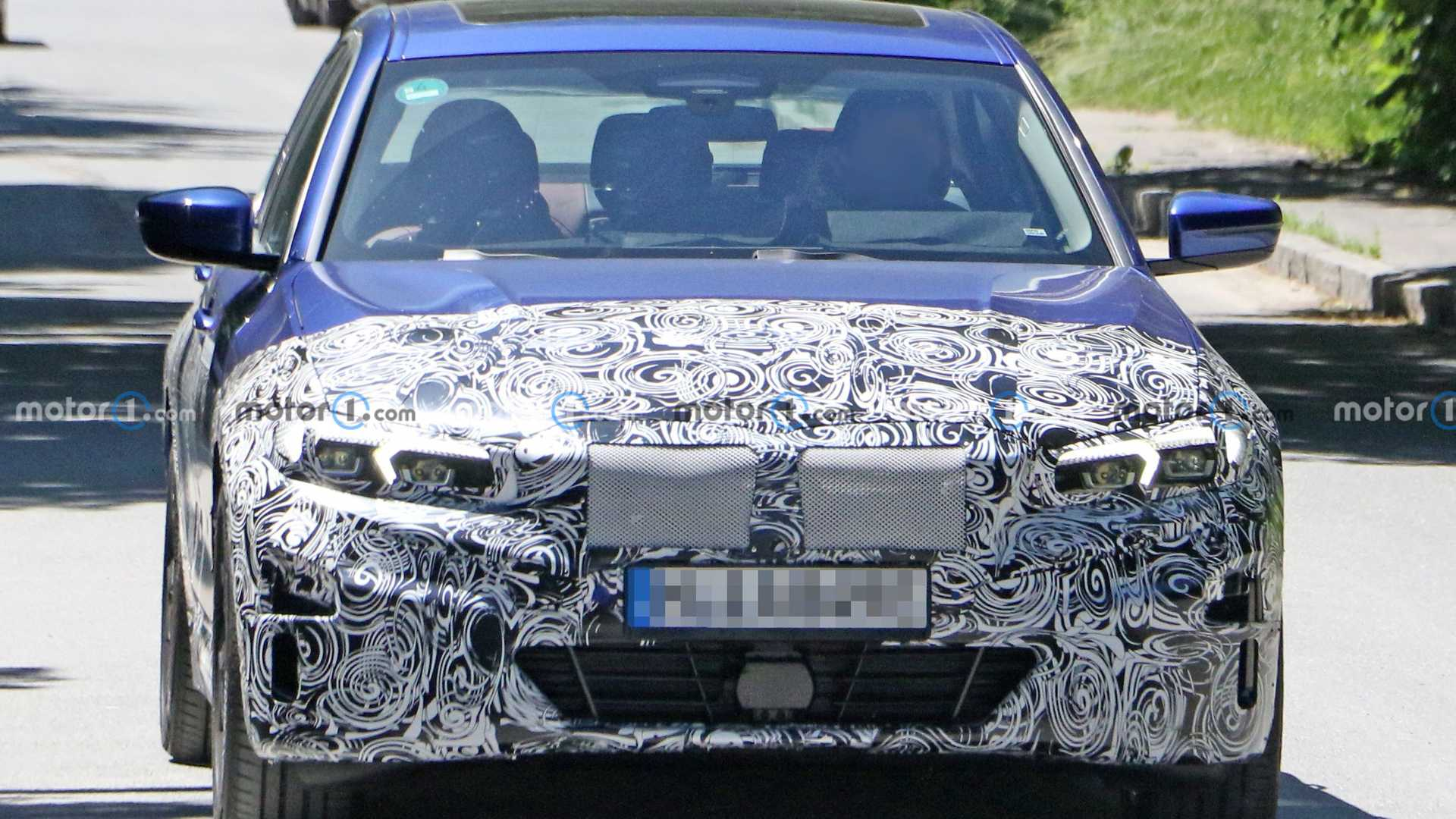 BMW 3 Series Electric new spy photo (front)