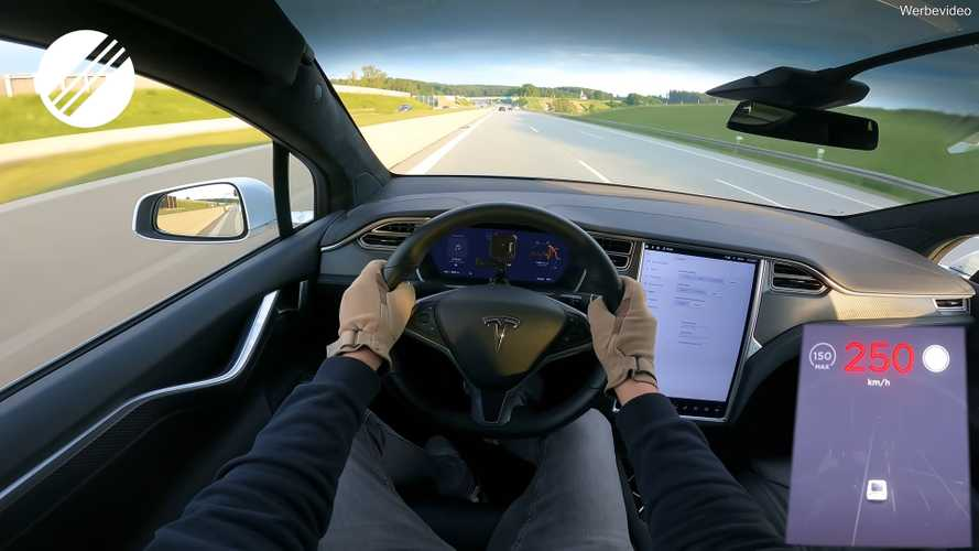 See Tesla Model X P100D Silently Cruise At 155 MPH On Autobahn