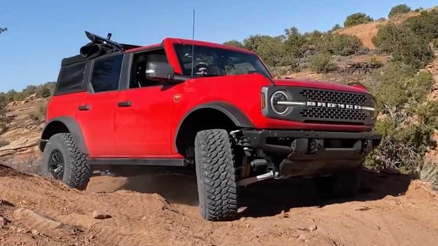 Video Shows Ford Bronco Tackling Treacherous Terrain With Tech