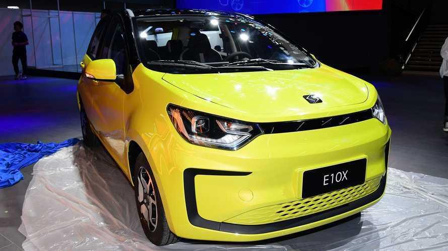 Carro elétrico compacto da Volkswagen-JAC será lançado no Brasil em outubro