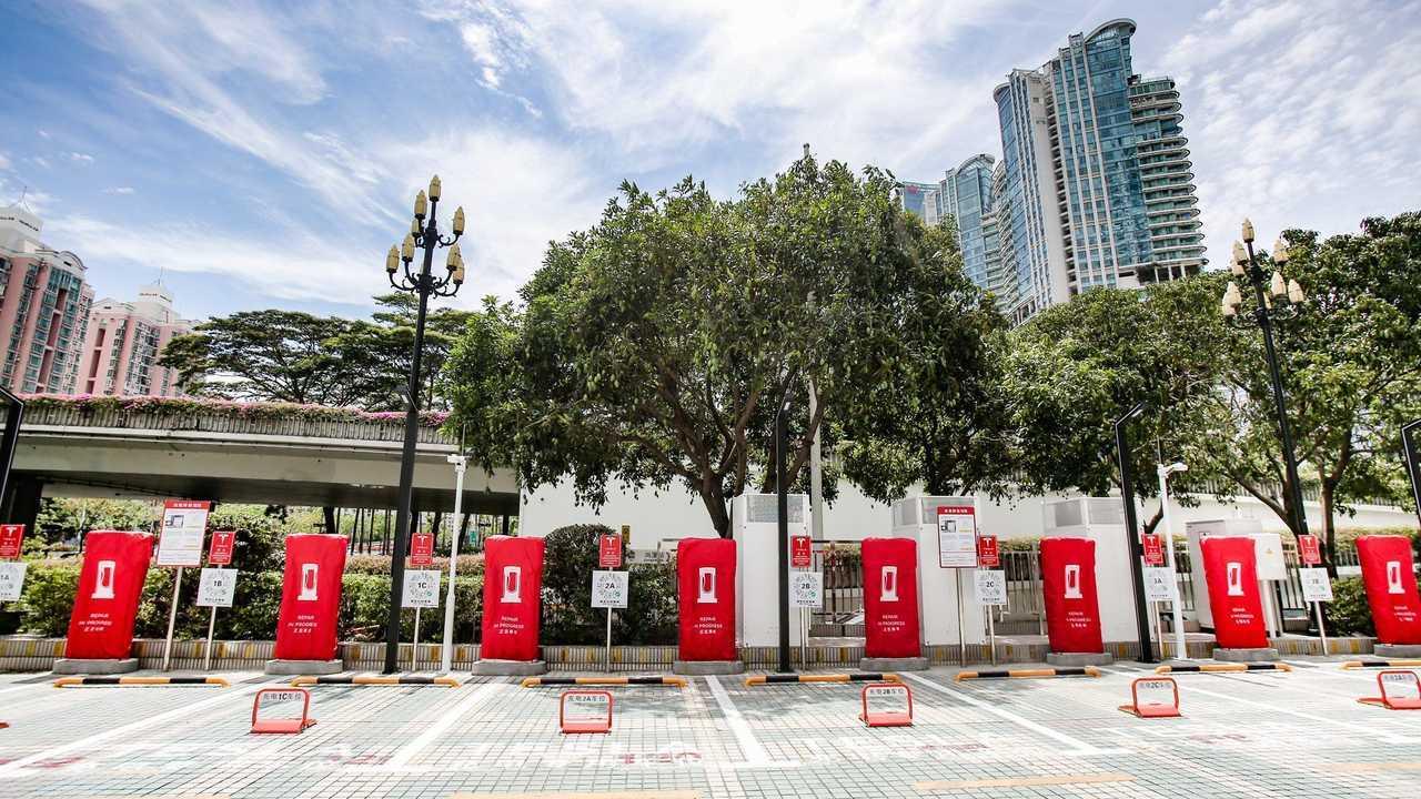 Ecco la prima stazione Supercharger con colonnine V3 made in China: inaugurata a Shenzhen