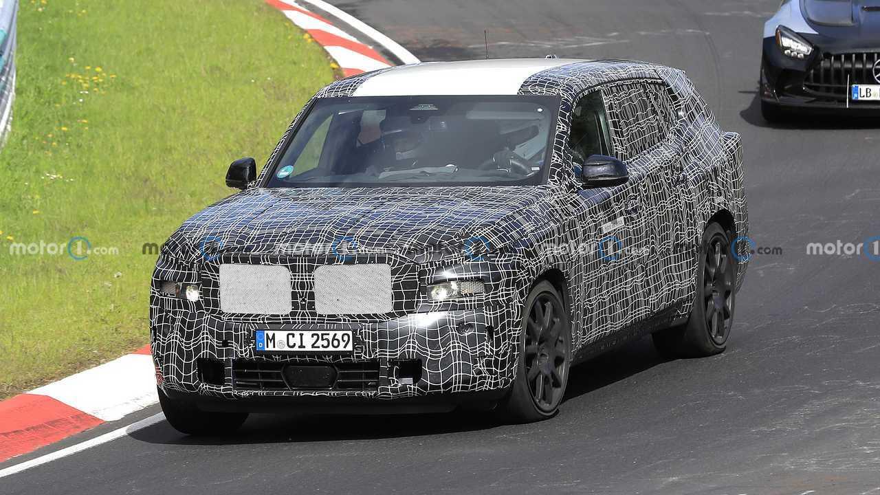 BMW X8 PHEV Ön Cephe