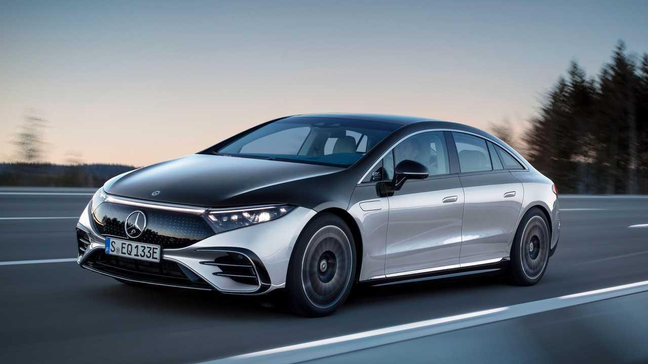 2022 Mercedes-Benz EQS 580 Edition One Exterior Front Quarter