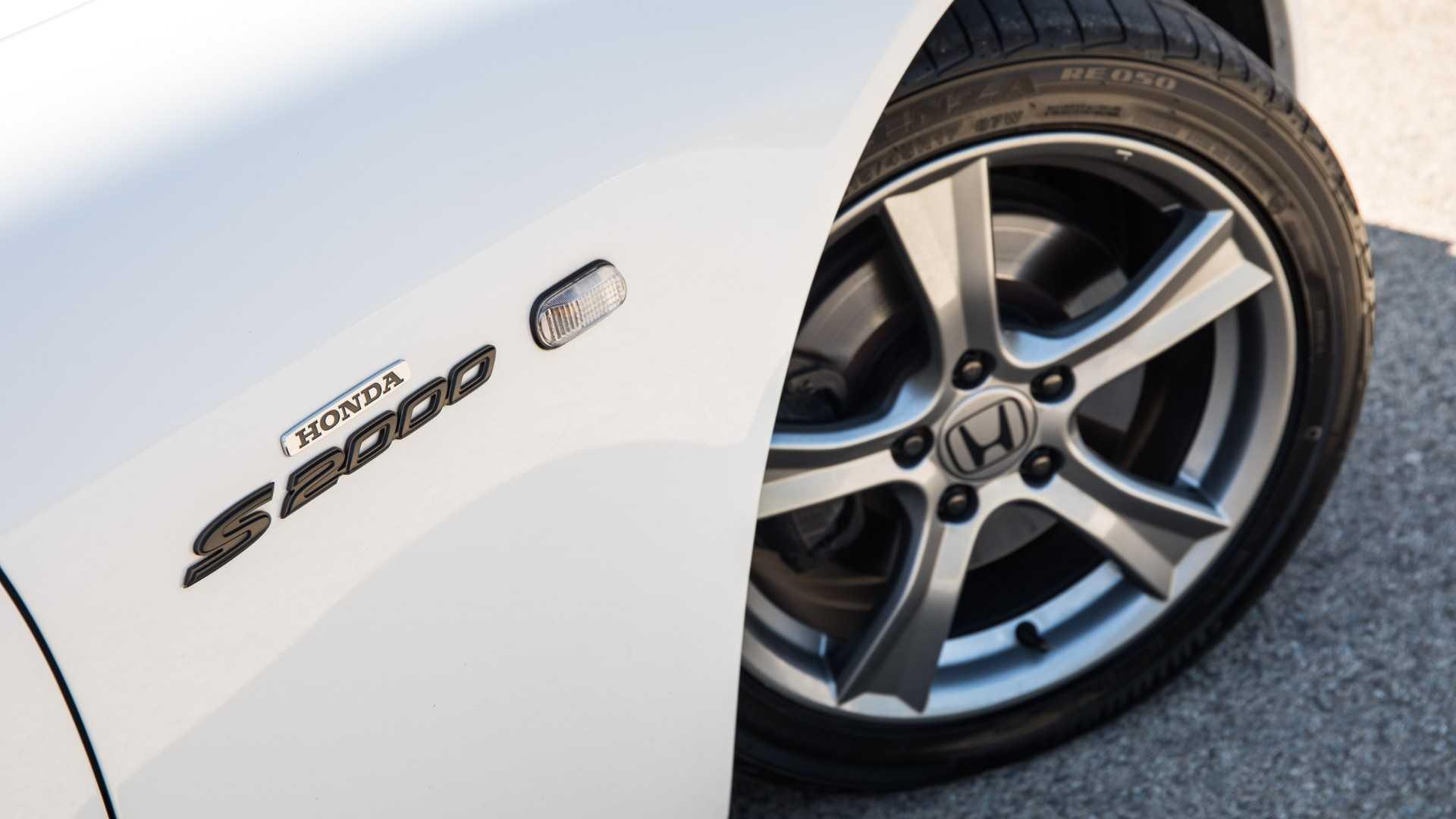 "[""Honda S2000 Edition 100""]"